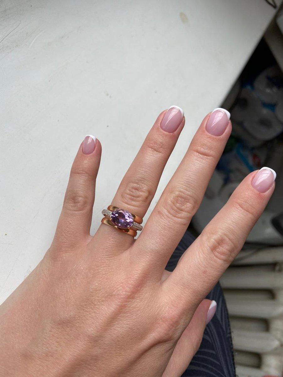Кольцо с аметистом ,золотое