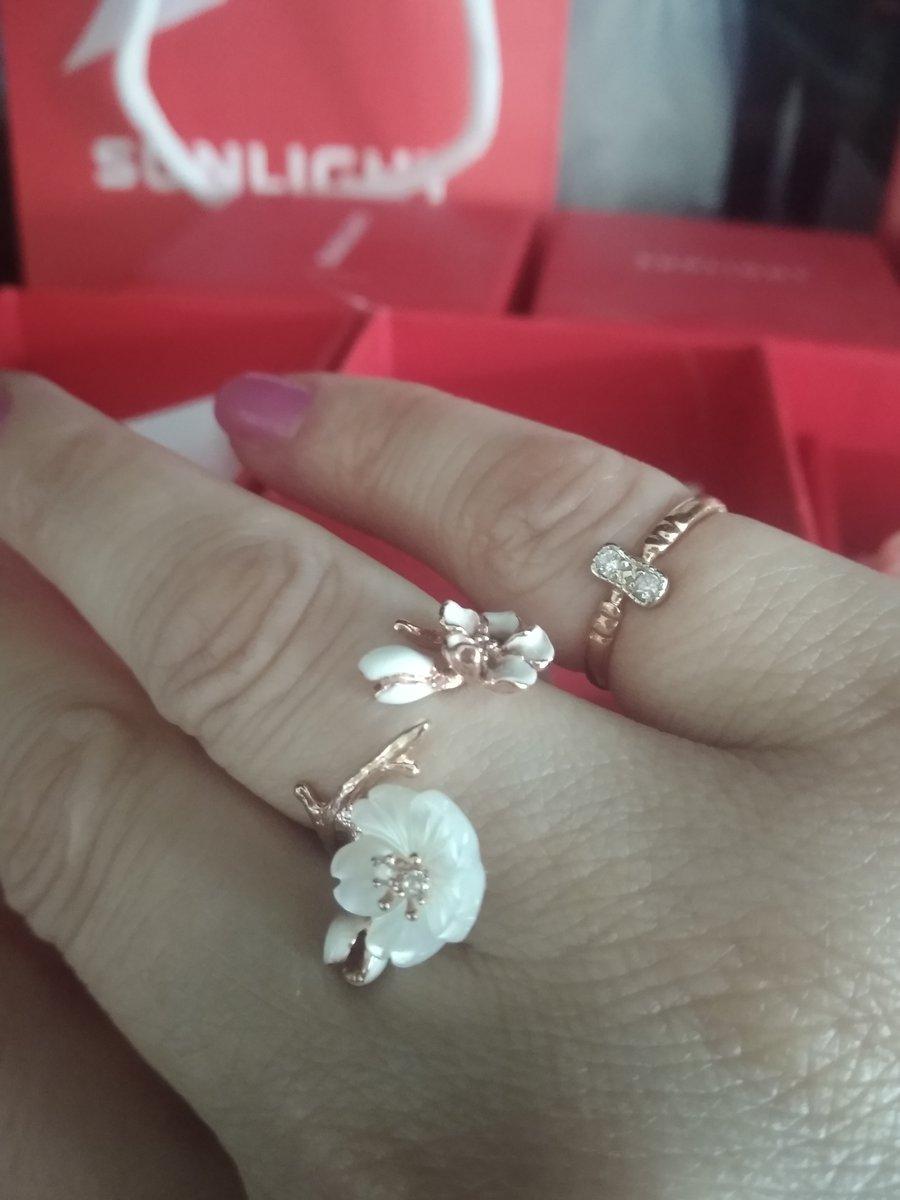 Кольцо - сама нежность !!!