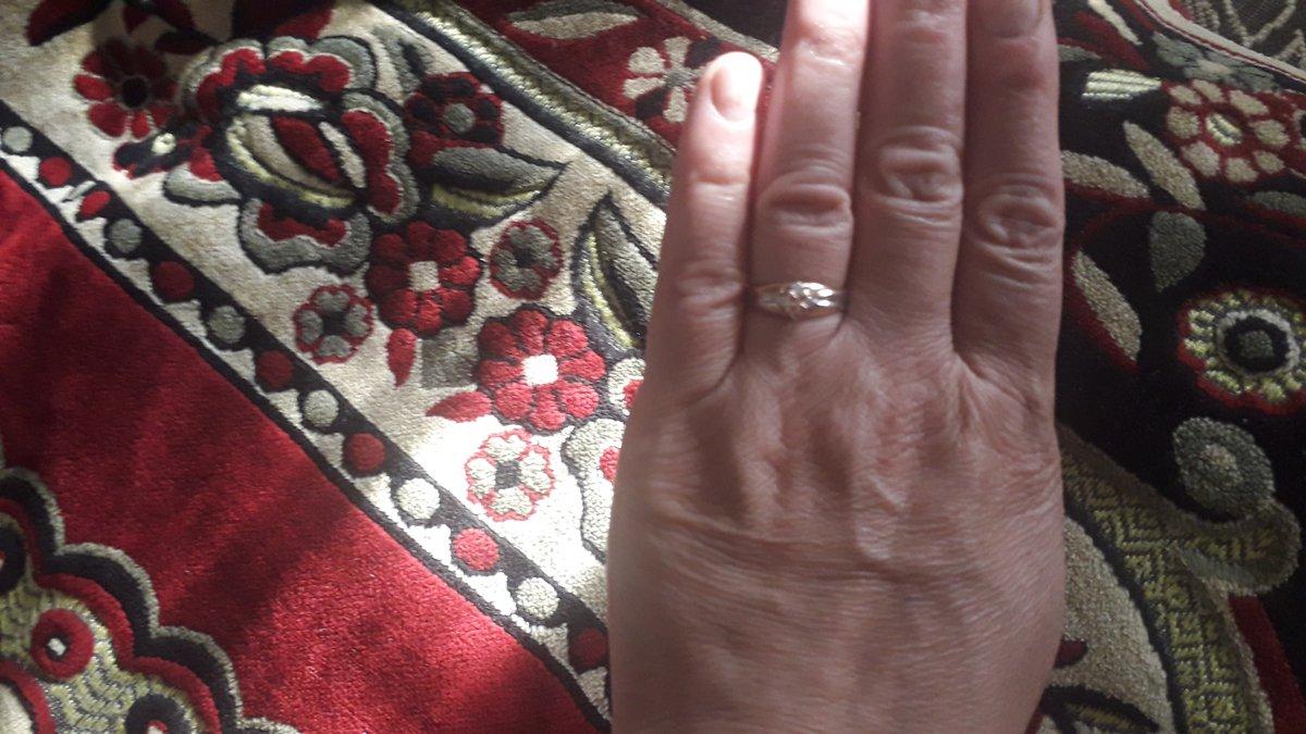 Кольцо идеально подошло по размеру,как золото