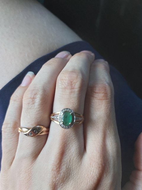 Красивое кольцо , ношу уже года 2 камни все на месте