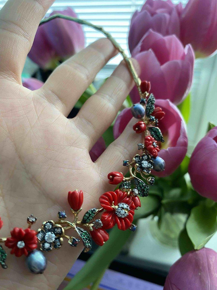 Серьги с коралловым цветком.