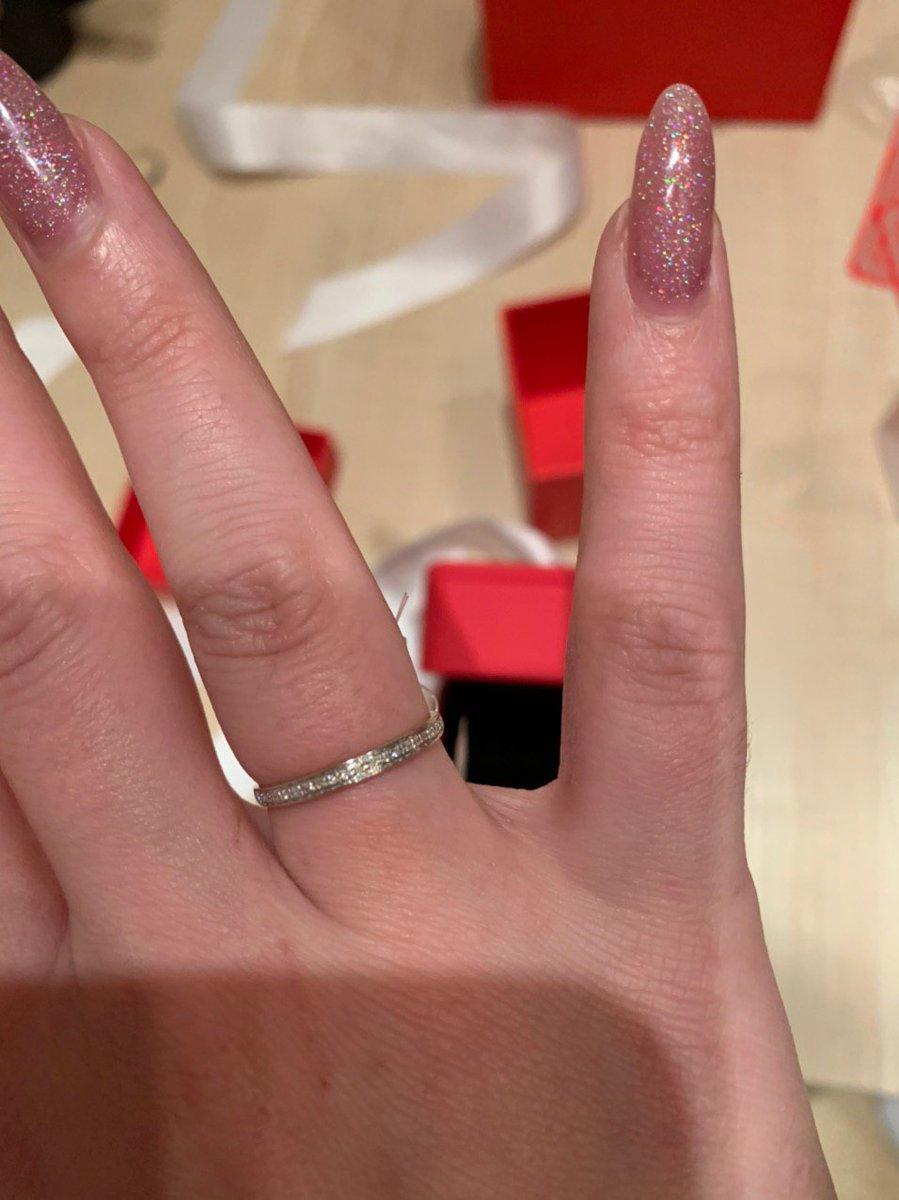 Нежное колечко с бриллиантами