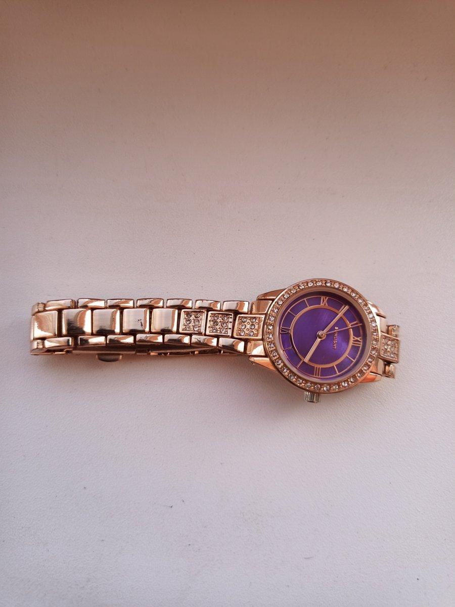 Стильные и удобные часы