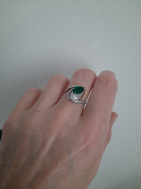 Серебряное кольцо с зеленым агатом
