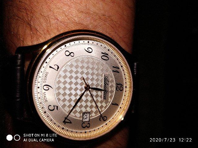 Мужские часы Adriatica. Очень элегантные и стильные.Изумительно и чудно.