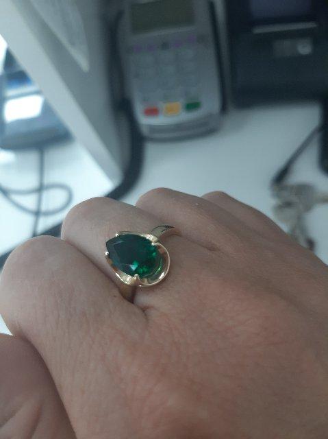 Кольцо великолепно  шикарный изумруд