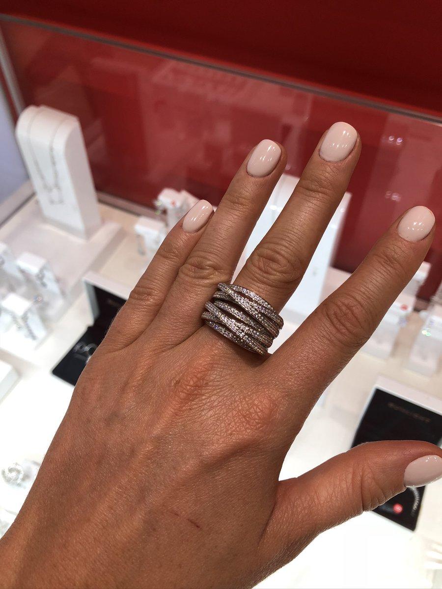 Очень красивое акцентное кольцо