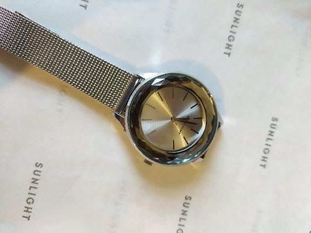 Часы с гранями