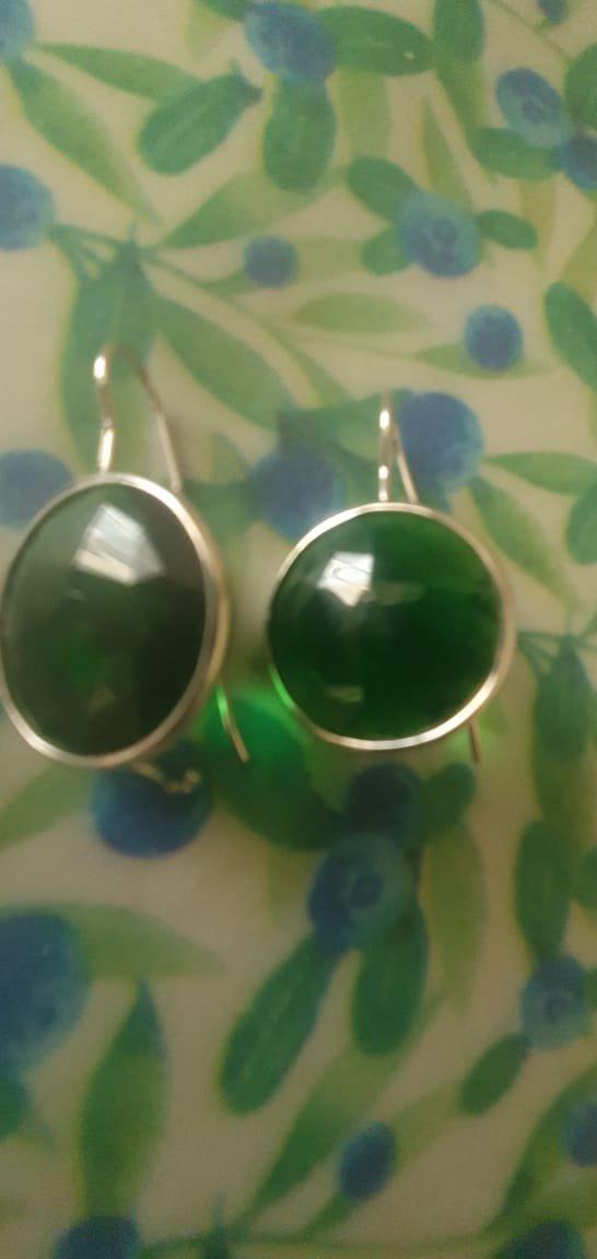 Серьги зелёные