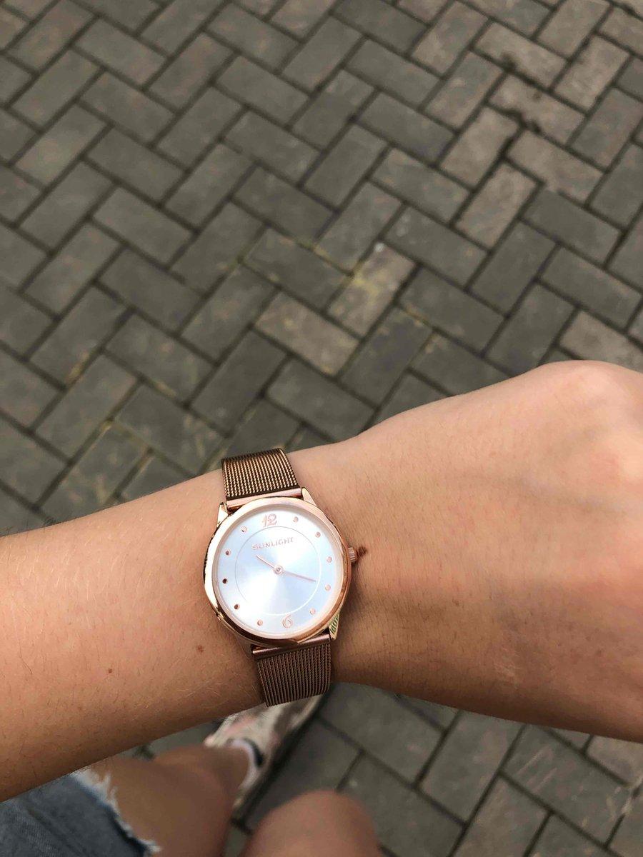 Часы на миланском ремешке