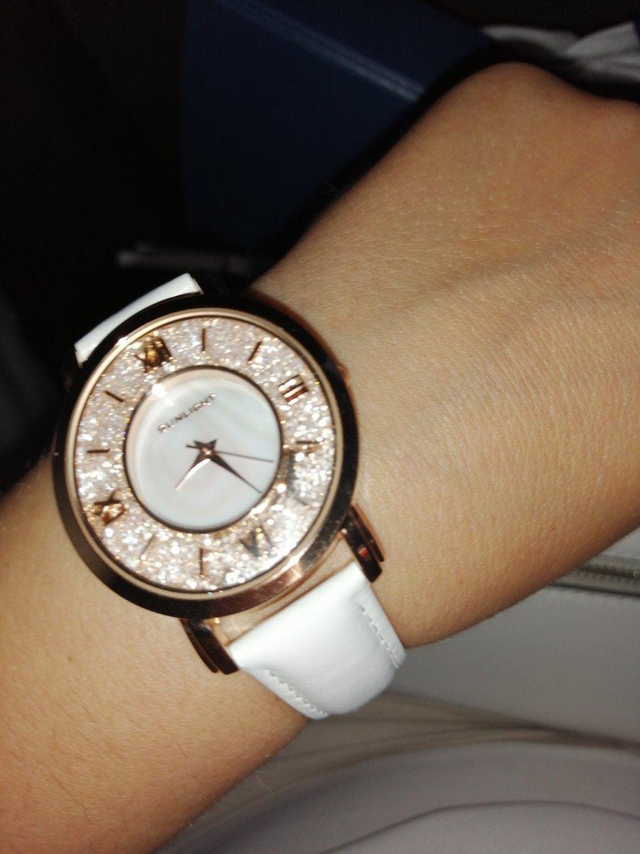 Очень красивые часы)))
