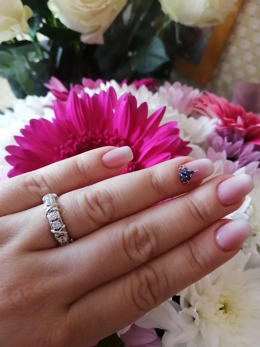 Серебряное кольцо с фианитами😍
