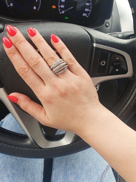 Шикарное кольцо на выход и на каждый день