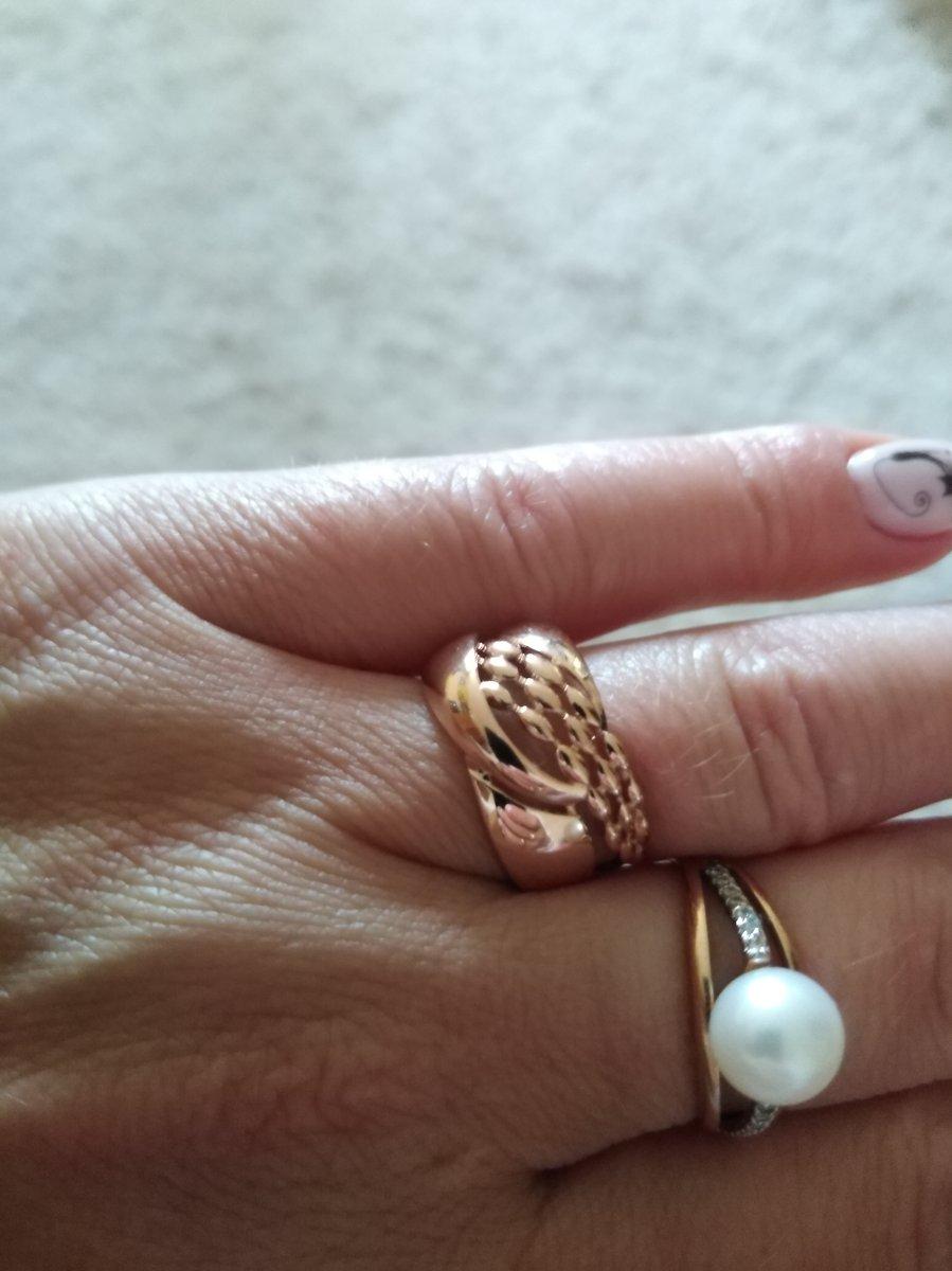Кольцо очень интересно сделано очень хороший дизайн