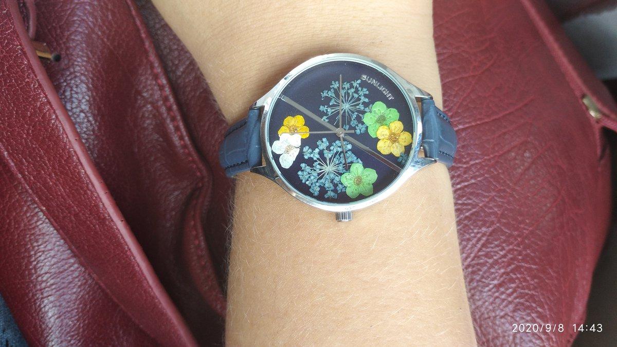 Симпатичные часы, приятная цена