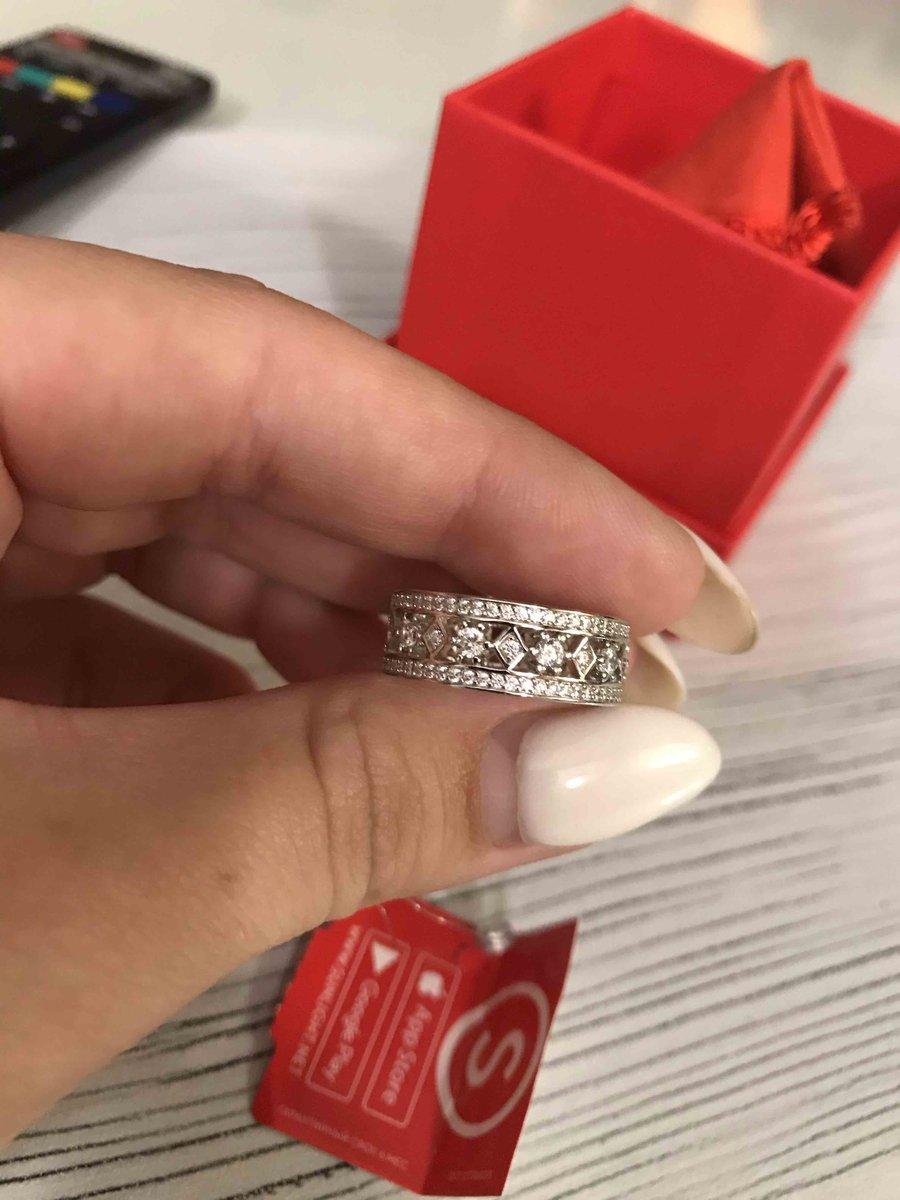 Прекрасное кольцо,и отличная цена