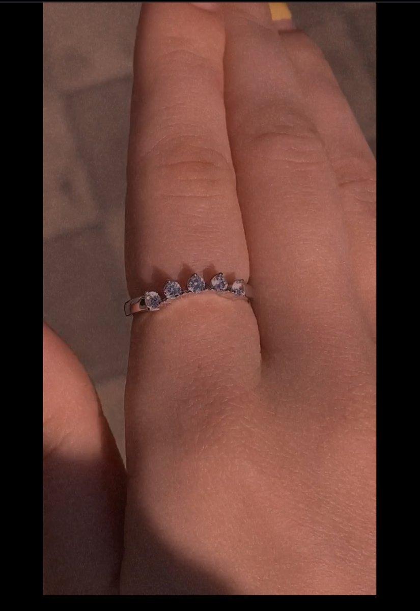 Серебряное кольцо с фианитами, приобретенное недавно❤️