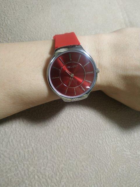 Часы просто отличные)