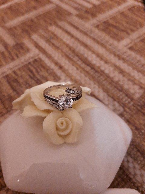 Изящное стильное кольцо