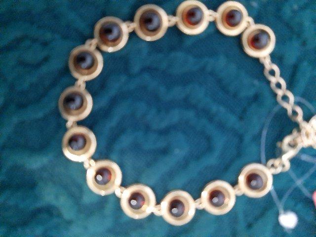 Я создала для себя комплект.: серьги, подвеска на укюепочке и браслет.