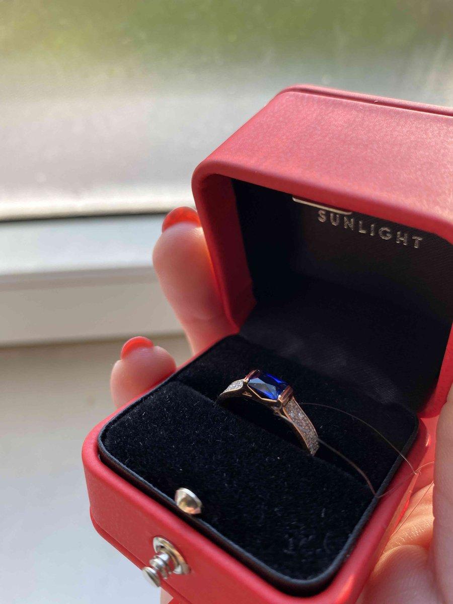 Золотое кольцо с брильянтами