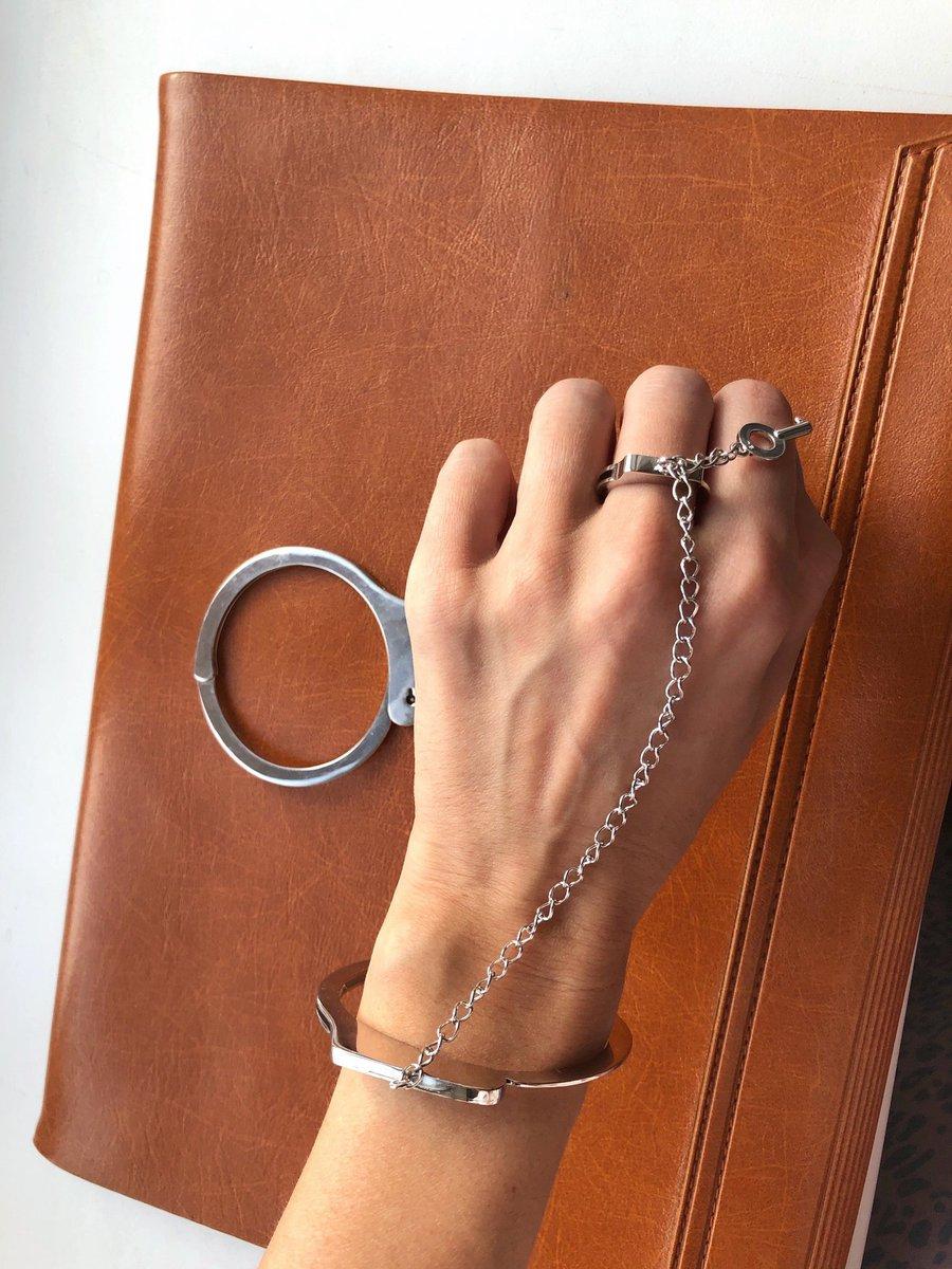Слейв-наручник