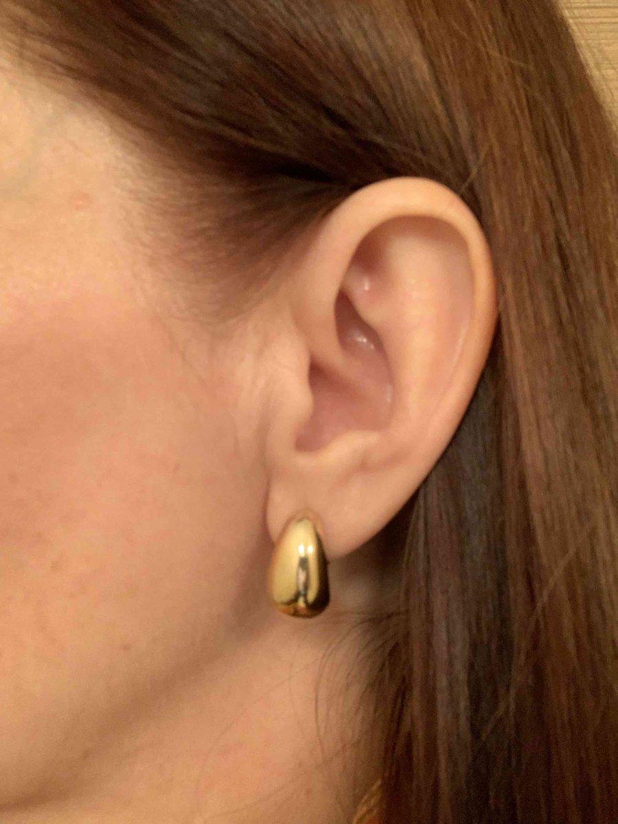 Серьги отличные! удобная застежка, легкие . и важно, закрывают мочку уха .