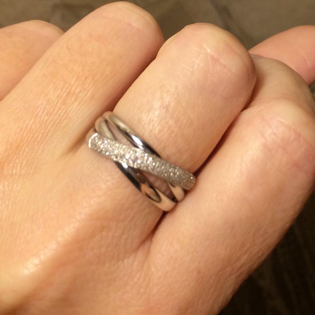 Кольцо стильное и элегантное!
