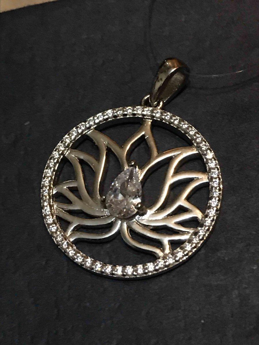 Лотос - символ красоты и исполнения желаний!