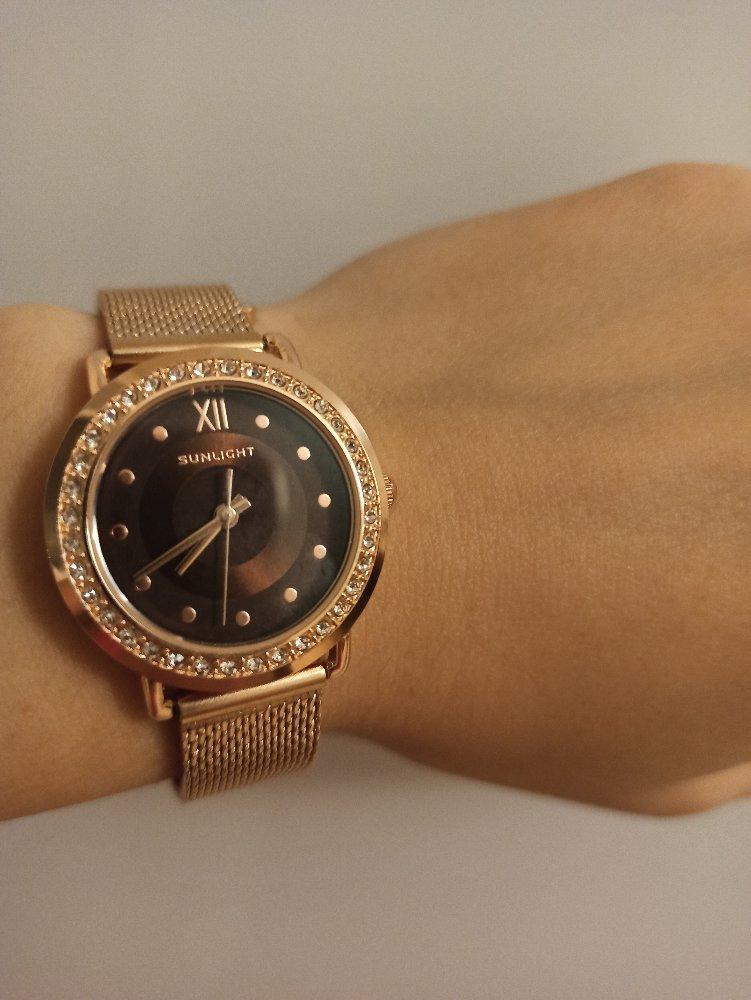 Стильные и красивые часы.