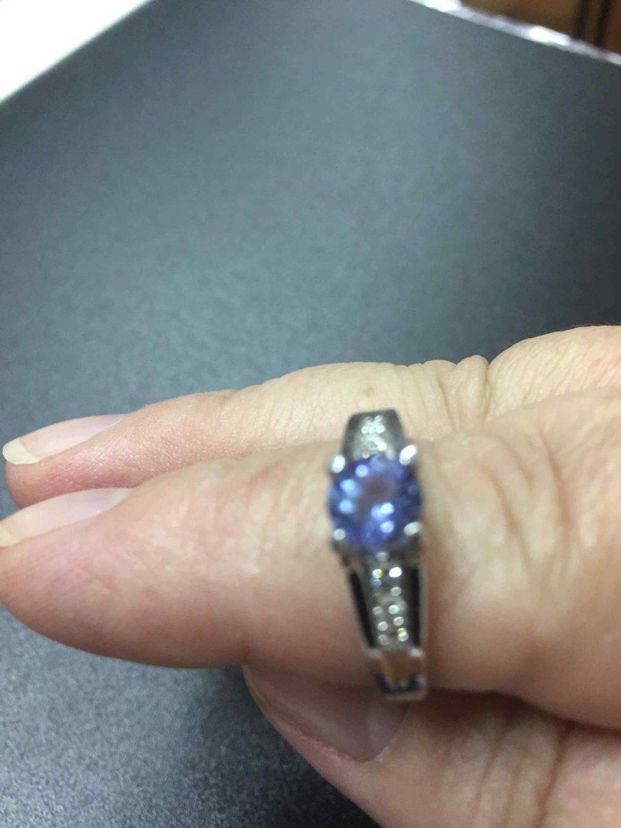 Изумительное кольцо с танзанитом.