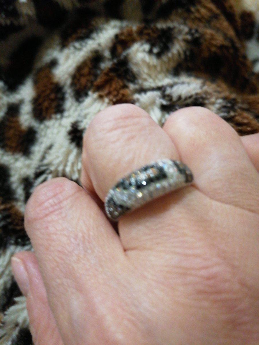 Кольцо супер! очень стильно и не обычно!