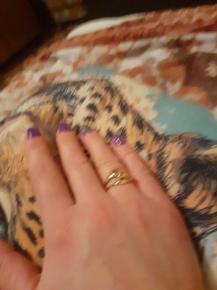 Очень красивое кольцо,я довольна и цена очень радует и продовцы хорошие,все