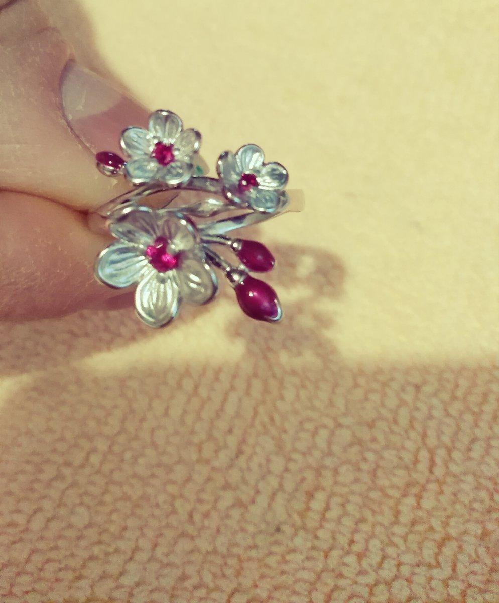 Цветок сакуры 🎀