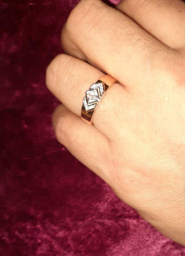 Очень красивый кольцо
