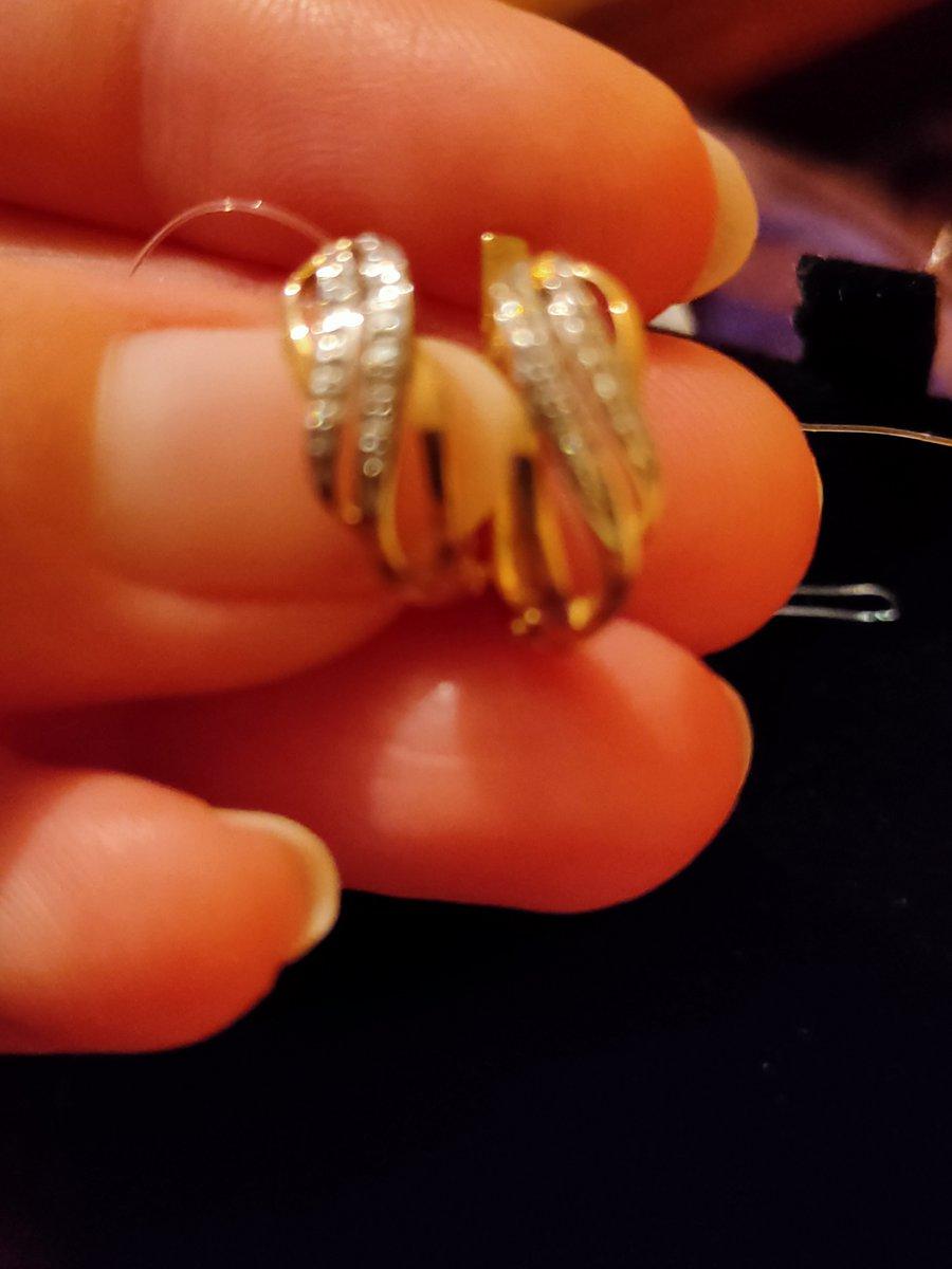 Отзыв о покупке золотых серёжек с бриллиантами и о качестве обслуживания