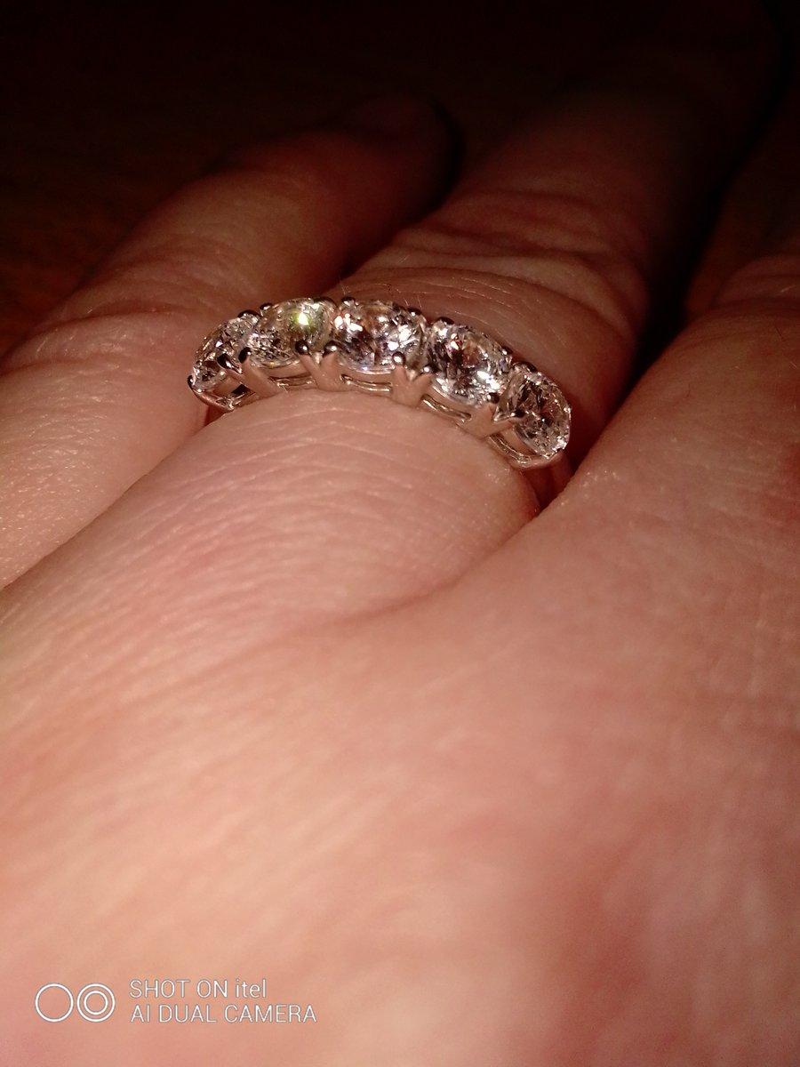 Кольцо с кристаллами svarovsky