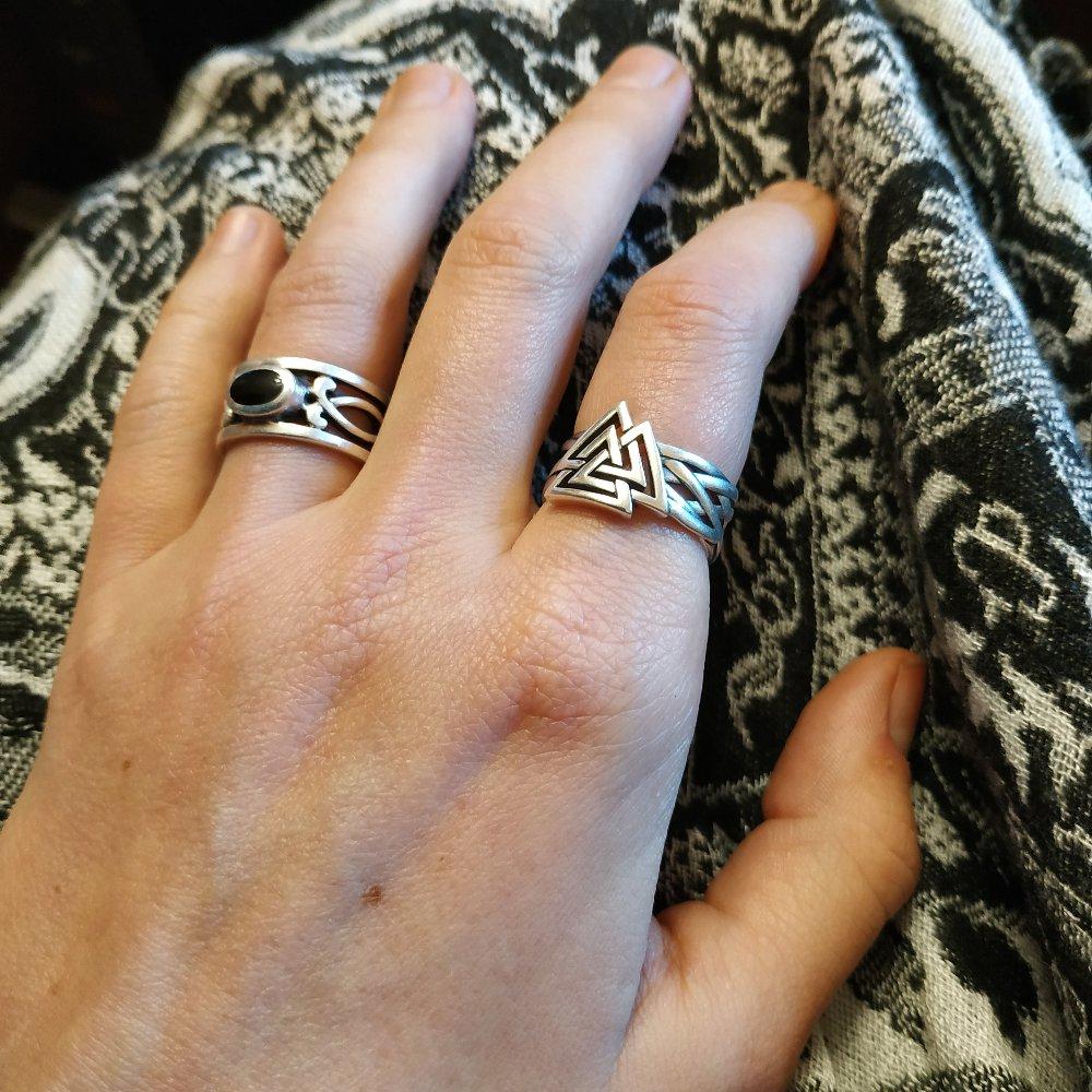 Кольцо с древнескандинавским символом