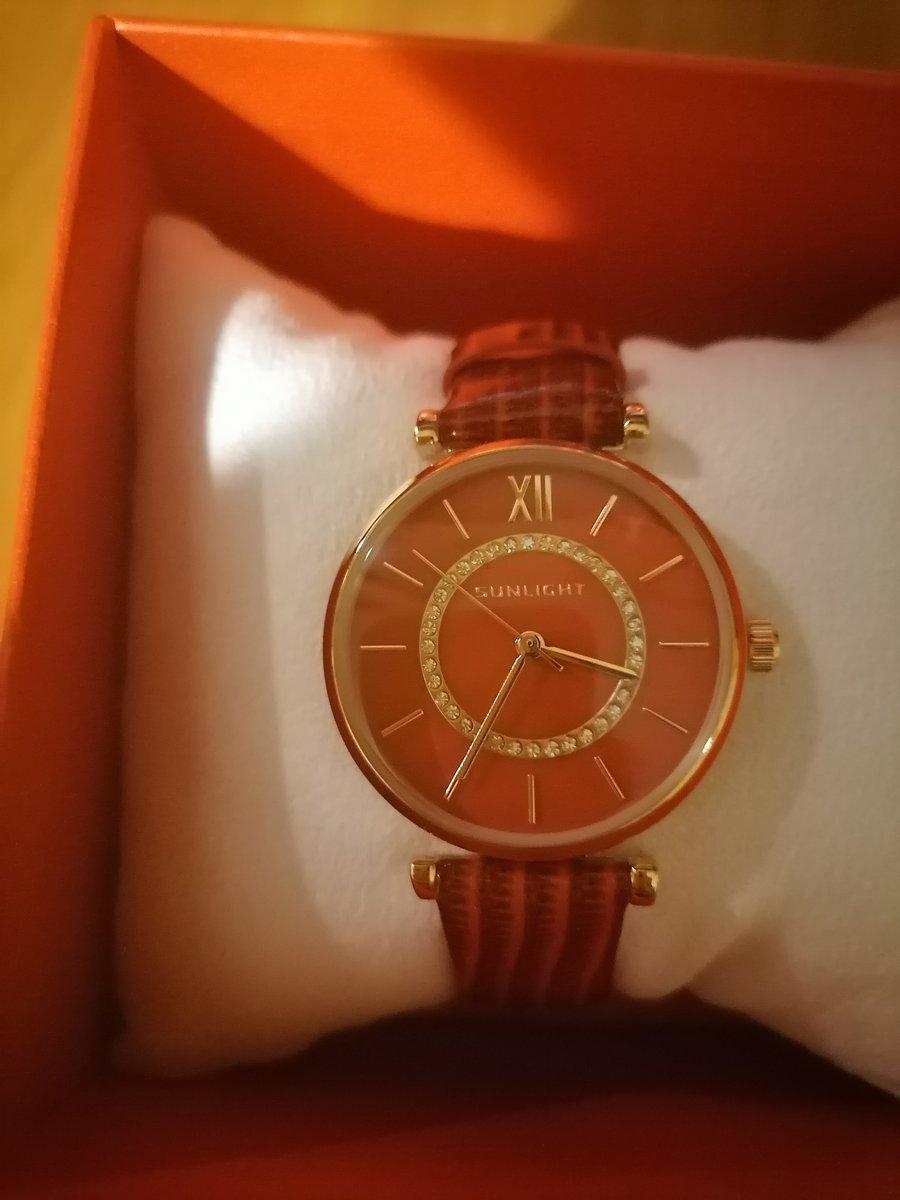 Часики прекрасный подарок