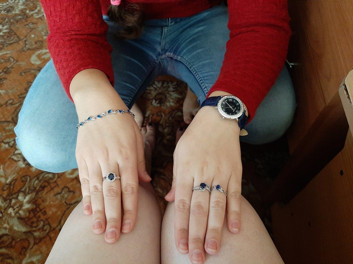 Серебряное кольцо с спиртом и фианитами.