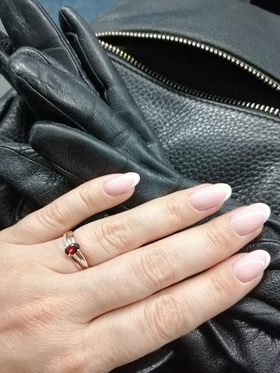 Очень красивое кольцо. покупала к серьгам и браслету