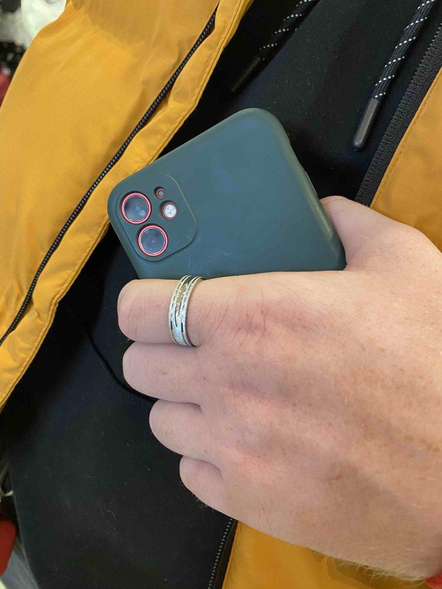 Идеальное современное кольцо