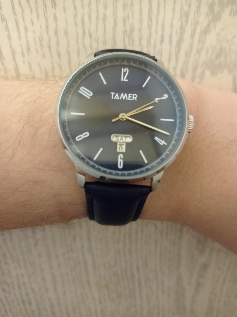 Красивые элегантные часы