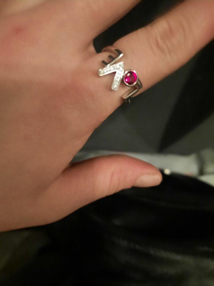 Очень красивая кольцо