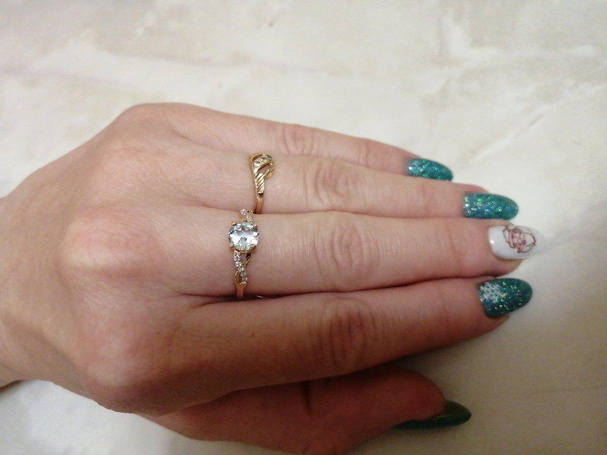 Кольцо нежное, элегантное