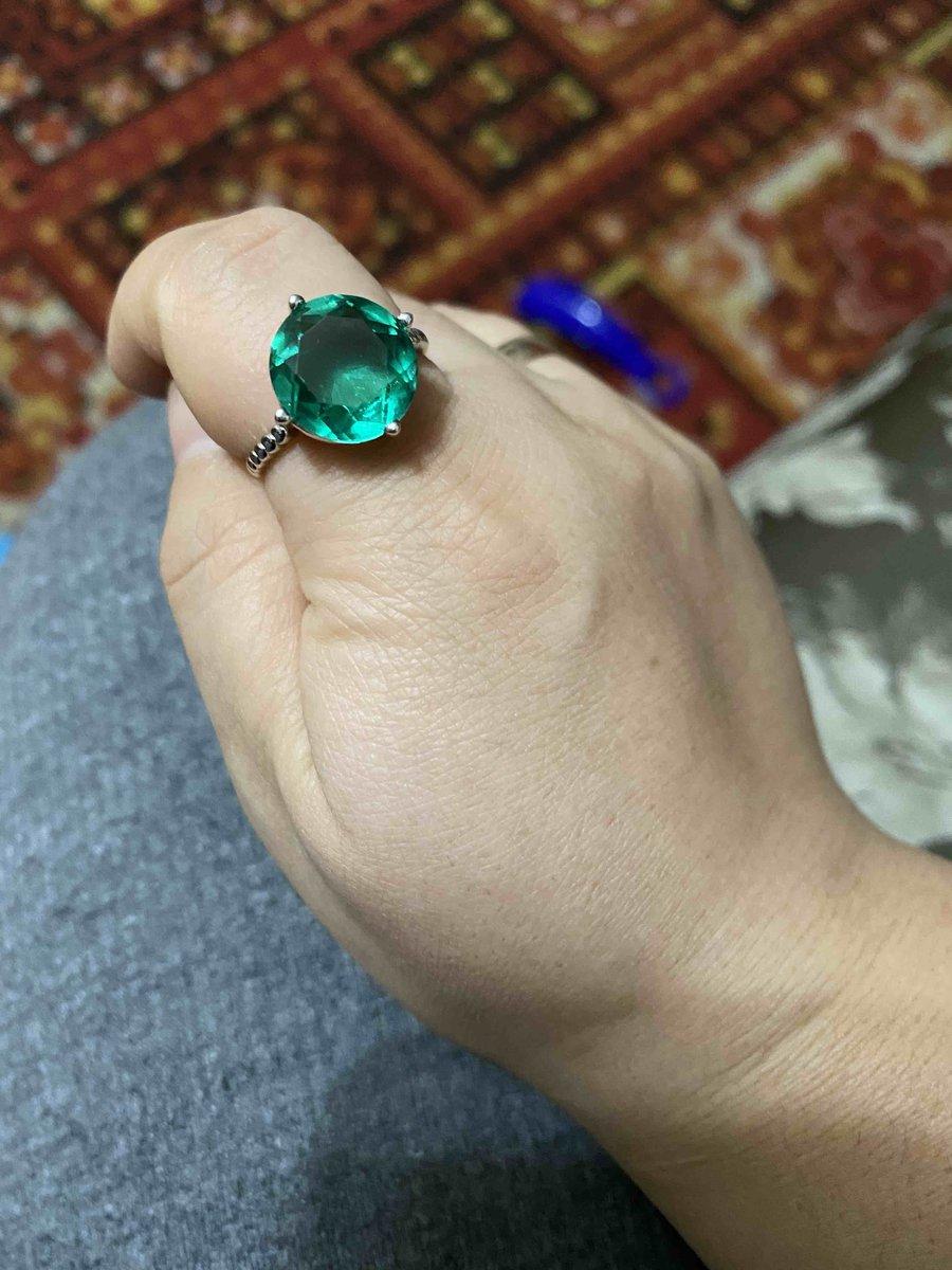 Очень красивое колцо и цвет невероятный!