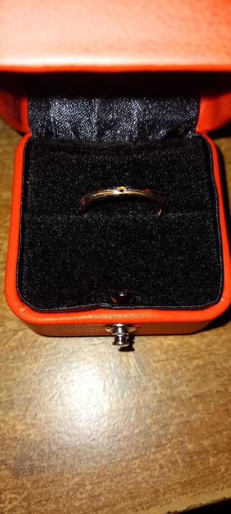 Ужасное кольцо бриллиант выпал на 5-й день.