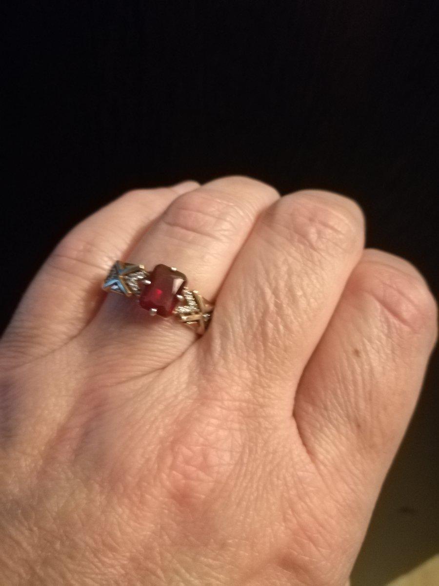 Кольцо серебро с позолотой с гранатом и фианитами