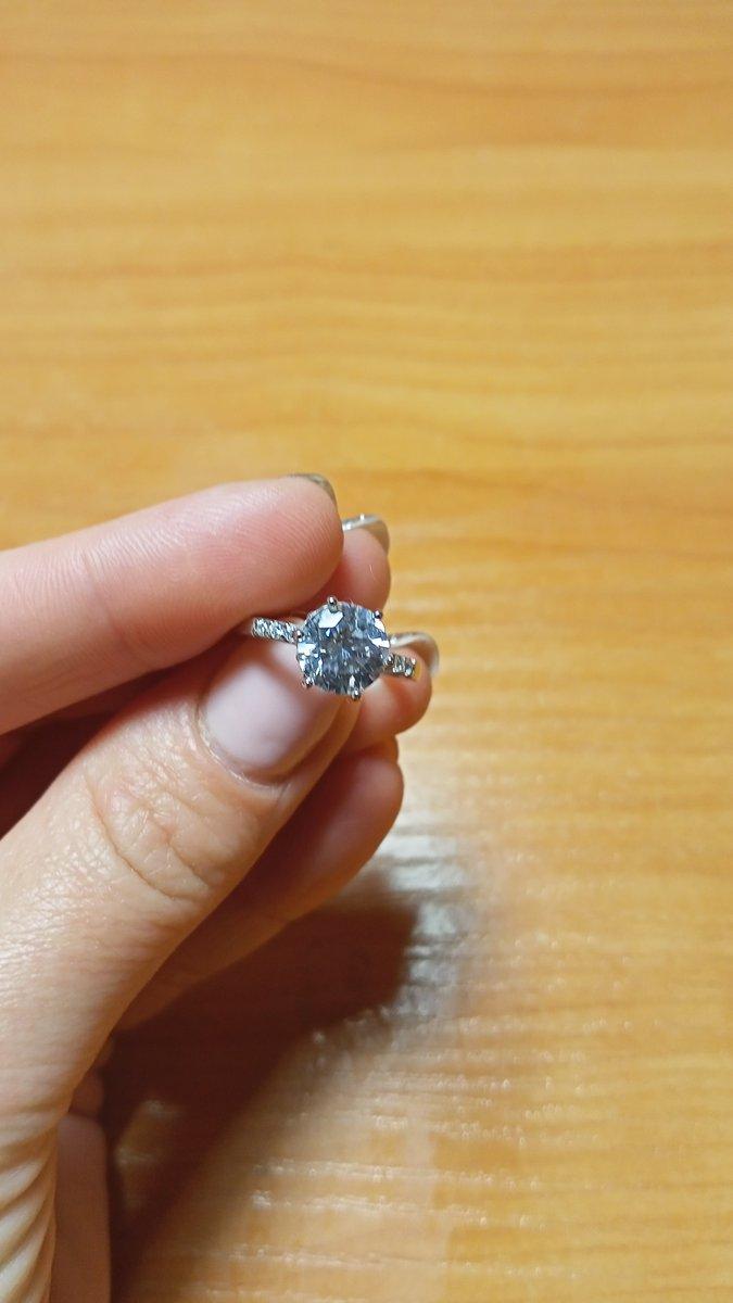 Серебряное кольцо с фианитами и фианитами сваровски