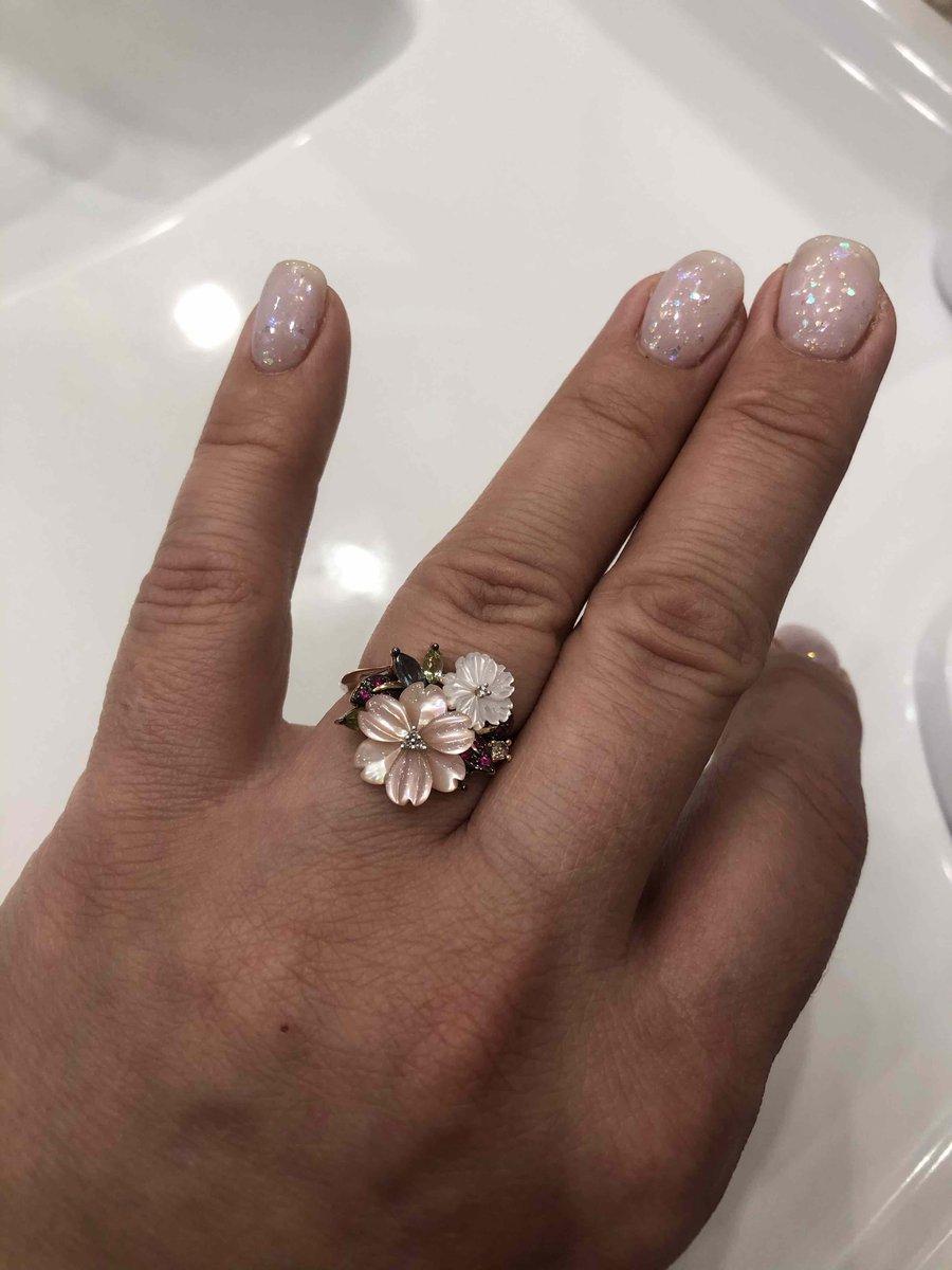 Очень нежное и красивое кольцо!!!